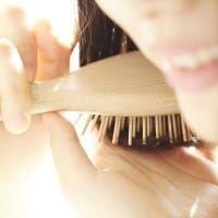 女性の特徴的な6つの薄毛症状とおすすめ対策法